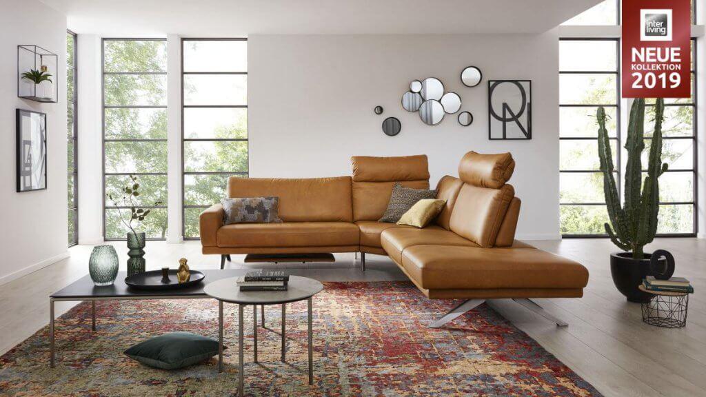 Interliving Serie 4220 Leder- Polstermöbel kaufen, besonders in der Ecke kann man die Sitztiefe verstellen und somit zu zweit drin sitzen